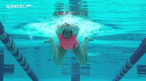 平泳ぎ キック2